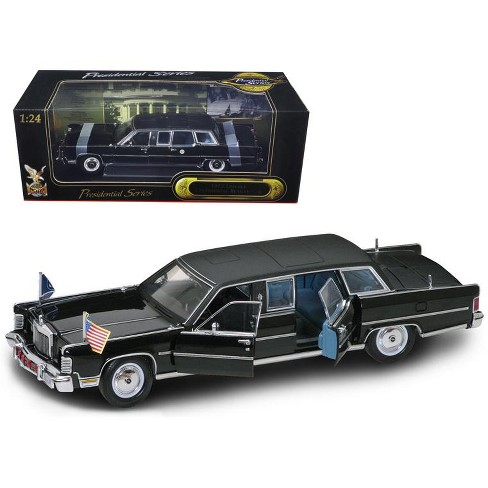1972 Lincoln Continental Reagan Limousine Black 1/24 Diecast Model Car by Road Signature - image 1 of 1