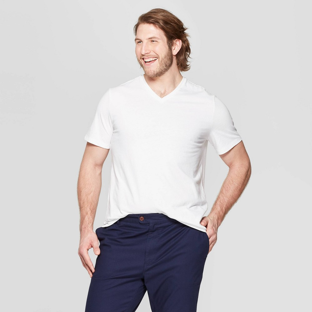 Men's Big & Tall Standard Fit Short Sleeve Lyndale V-Neck T-Shirt - Goodfellow & Co White 5XBT