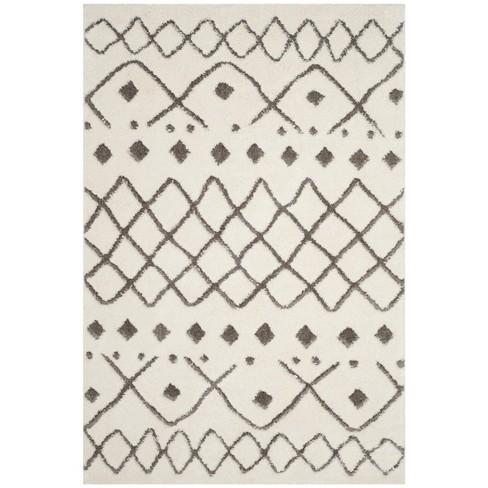 Hollie Geometric Design Loomed Rug - Safavieh - image 1 of 4