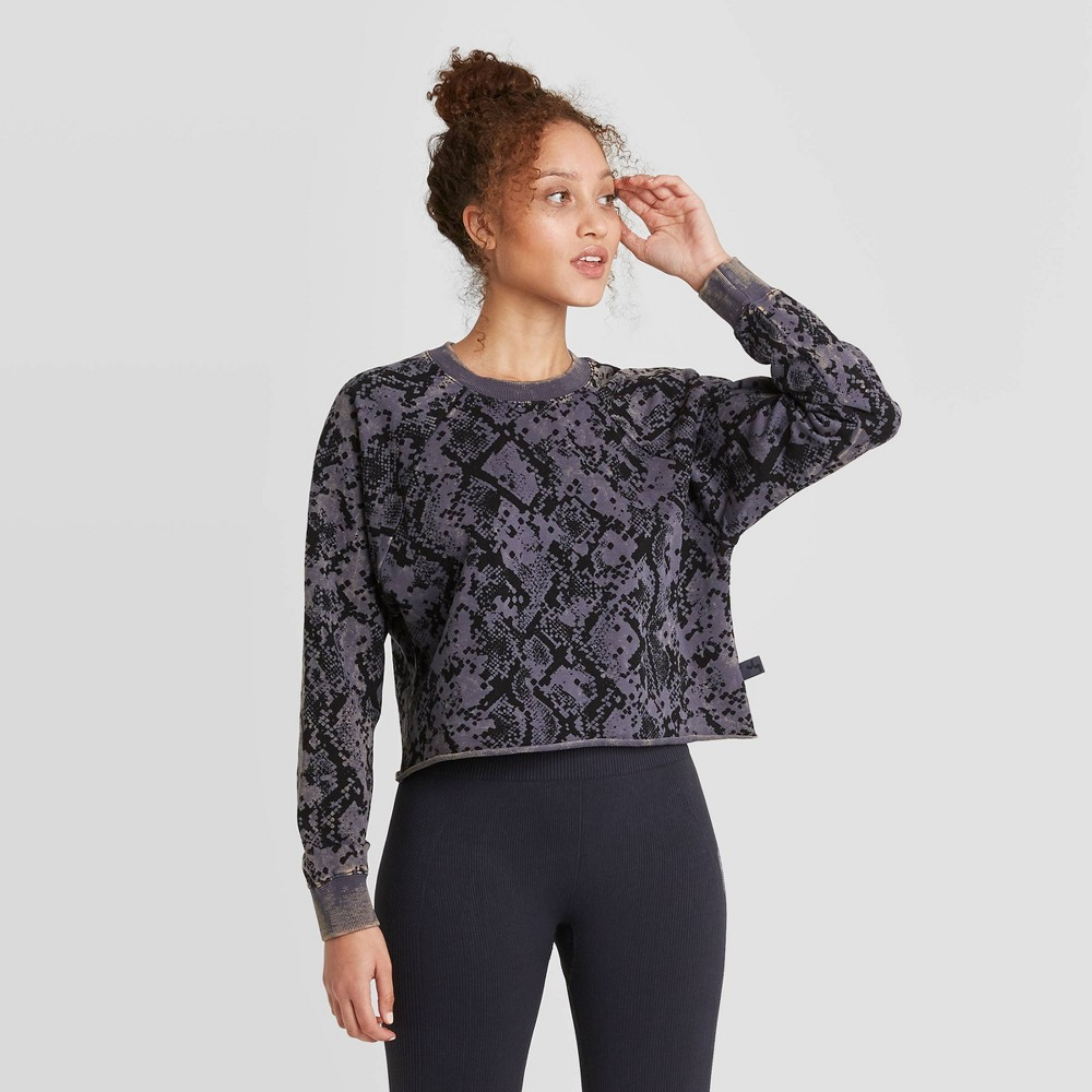 Women 39 S French Terry Acid Wash Pullover Sweatshirt Joylab 8482 Blue Snake Xs