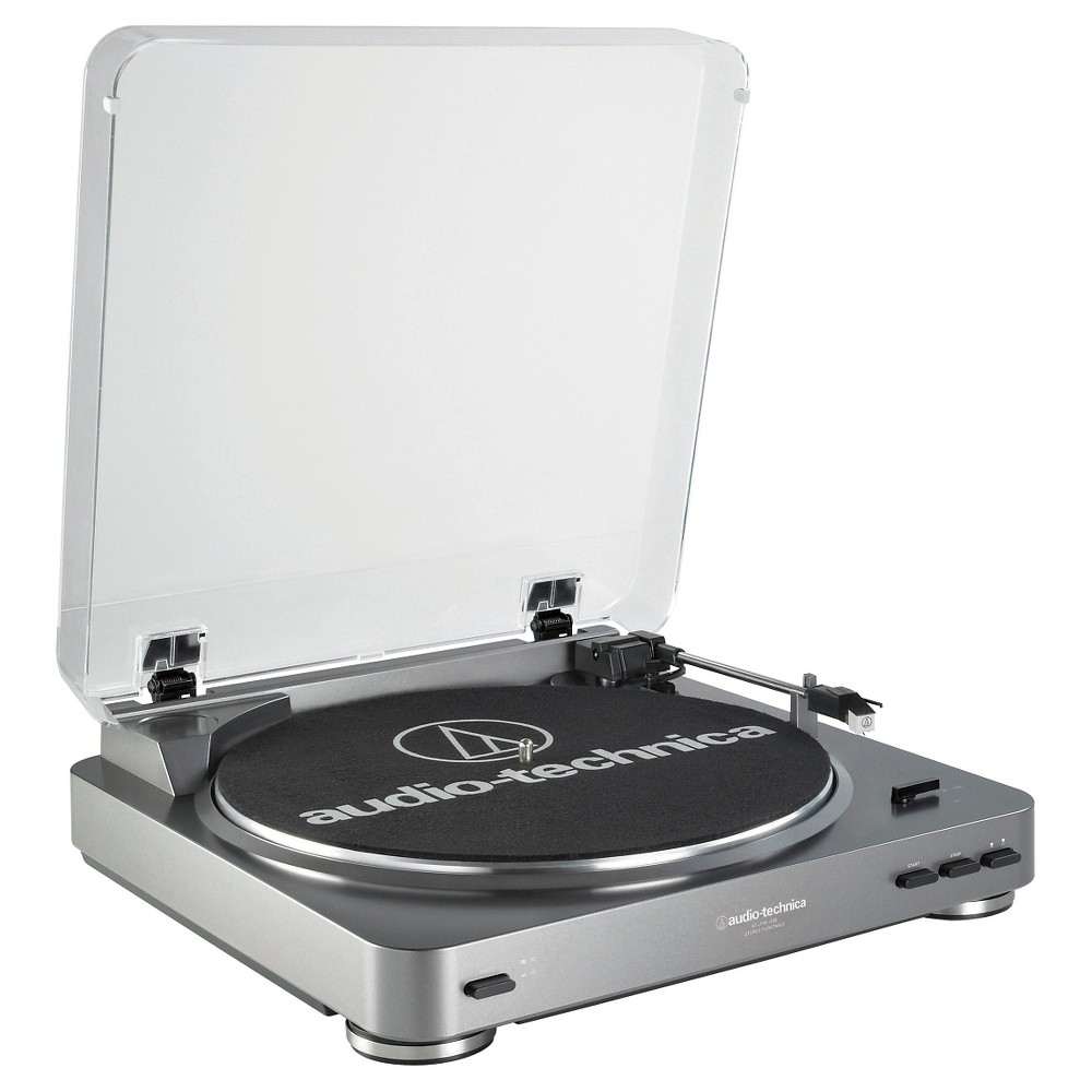 Audio Technica ATLP60USB LP to Usb Digital Belt Drive Turntable - Silver Now you can experience your vinyl's high-fidelity audio directly or convert it to digital. The AT-LP60-Usb stereo turntable comes equipped with a Usb output that allows direct connection to your computer. Includes: Mac- and PC-compatible Audacity software; an integral dual-magnet Audio-Technica phono cartridge; Usb cable and adapter cables. The turntable features a built-in switchable phono preamp that enables it to be connected directly to a computer, home stereo, powered speakers and other components that have no dedicated turntable input. Color: Silver.