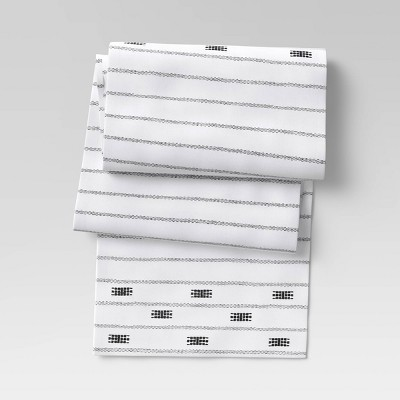 Cotton Global Table Runner - Threshold™