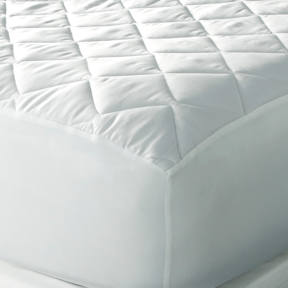 Image of King Spa Luxe Cool Touch Moisture Wicking Mattress Pad - Downlite, White