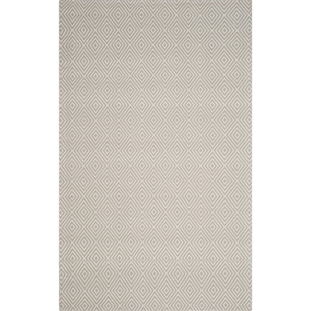 5'X8' Solid Hooked Area Rug Light Gray/Ivory - Safavieh
