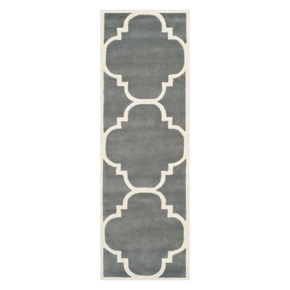 2'3X11' Quatrefoil Design Tufted Runner Dark Gray/Ivory - Safavieh