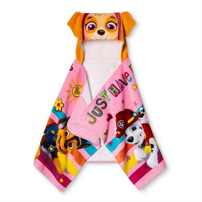 PAW Patrol Skye Here To Help Hooded Towel