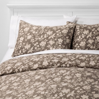 Full/Queen Family Friendly Floral Duvet & Pillow Sham Set Natural - Threshold™