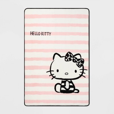 "62""x90"" Hello Kitty Adorably Classic Blanket"