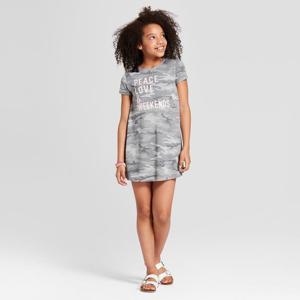 Grayson Social Girls' 'Peace Love & Weekends' Graphic T-Shirt Dress - Gray Camo M