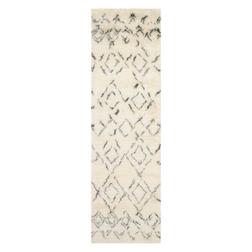 2'3X6' Geometric Runner Ivory/Gray - Safavieh