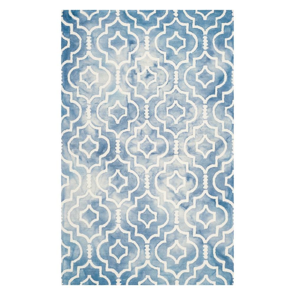 6'X9' Quatrefoil Design Area Rug Blue/Ivory - Safavieh
