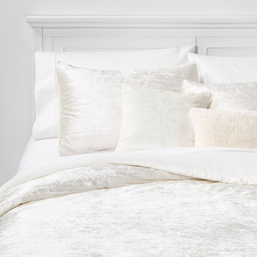Image of Full/Queen Cortina Crinkle Velvet 5pc Bed Set Ivory