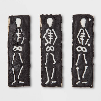 Frosted Skeleton Cookie Bag and Header Chicken Chewy Treats Dog Treats - 1.44oz - Wondershop™