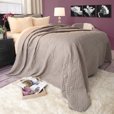 Solid Color Bed Quilt (Twin)Silver - Yorkshire Home