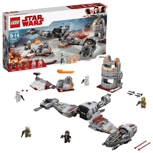 LEGO Star Wars™ Defense of Crait™ 75202 - image 1 of 6