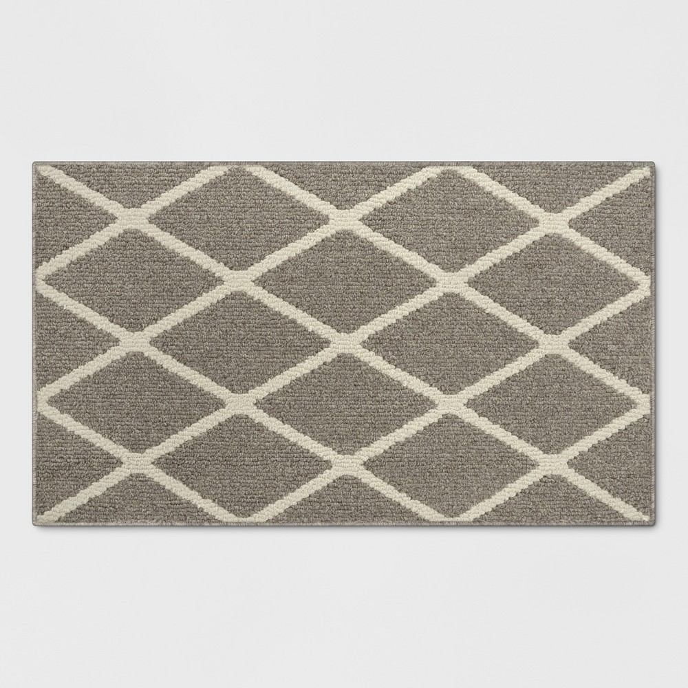 Warm Gray Diamond Tufted and Hooked Washable Accent Rug 1'8