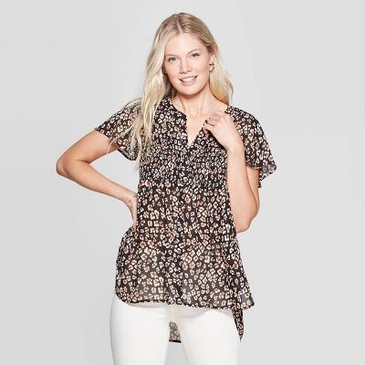 Women's Printed Short Sleeve V Neck Blouse   Knox Rose Black by Neck Blouse