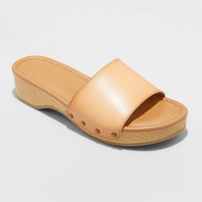Women's Kora Faux Wood Bottom Sandals - Universal Thread™