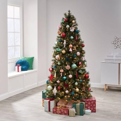 85pc Evergreen and Aubergine Christmas Ornament Kit - Wondershop™