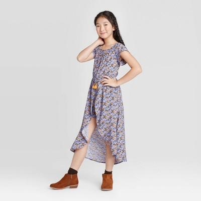 Girls' Off the Shoulder Floral Walk-Through Dress - art class™ Purple M