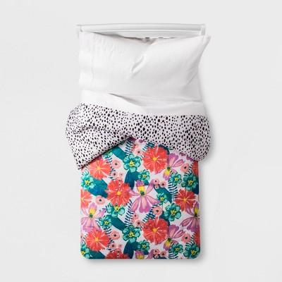 Floral Jungle Comforter (Toddler)- Pillowfort™