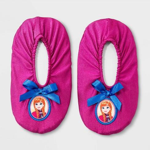 Toddler Girls' Disney Frozen Anna Slippers - Maroon - image 1 of 1