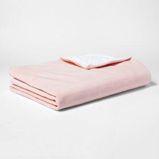 40u0022x60u0022 6lbs Waterproof Weighted Bed Blanket Pink - Pillowfort™