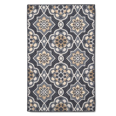 2'6 X3'10 /30 X46  Medallion Hooked Accent Rug Gray - Maples