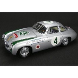 Mercedes Benz 300 SL #4 Panamericana (1952) 1/18 Diecast Model Car by CMC
