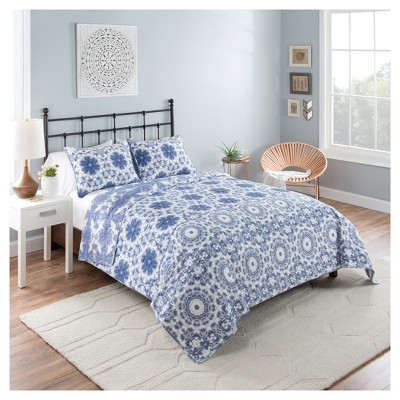 Blue & White Medallion Stella Reversible Quilt Set - Vue®