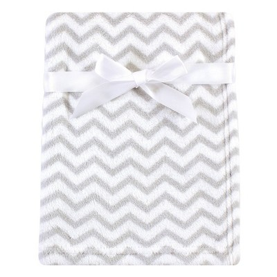 Luvable Friends Unisex Baby Coral Fleece Blanket - Gray Chevron One Size