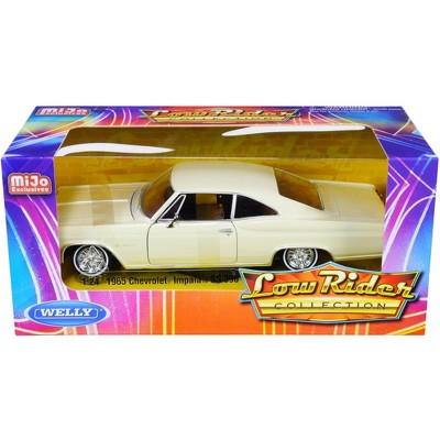 """1965 Chevrolet Impala SS 396 Beige """"Low Rider Collection"""" 1/24 Diecast Model Car by Welly"""