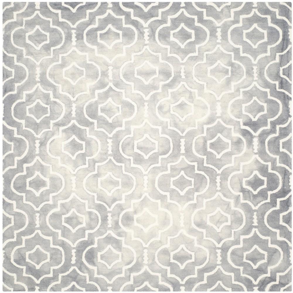 7'X7' Quatrefoil Design Square Area Rug Gray/Ivory - Safavieh