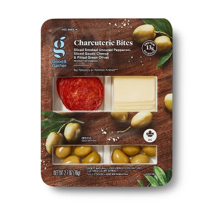 Pepperoni, Sliced Gouda Cheese and Green Olives - 2.68oz - Good & Gather™