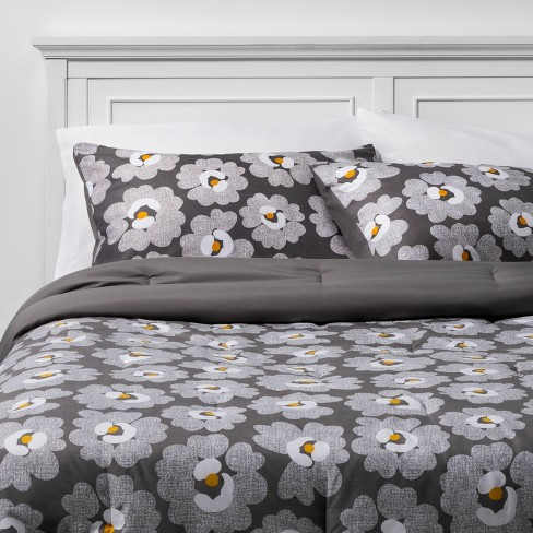 Room Essentials™ Gray Daisies with White Sheets  Printed MicrofiberBed Set w/ Sheets - image 1 of 4