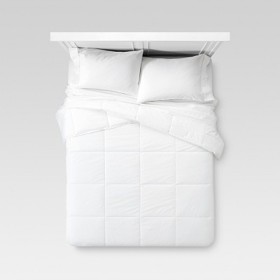 Warm Down Alternative Comforter (Full/Queen)White - Threshold™