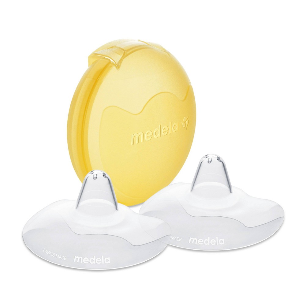 Image of Medela Contact Nipple Shields with Carrying Case - 20mm