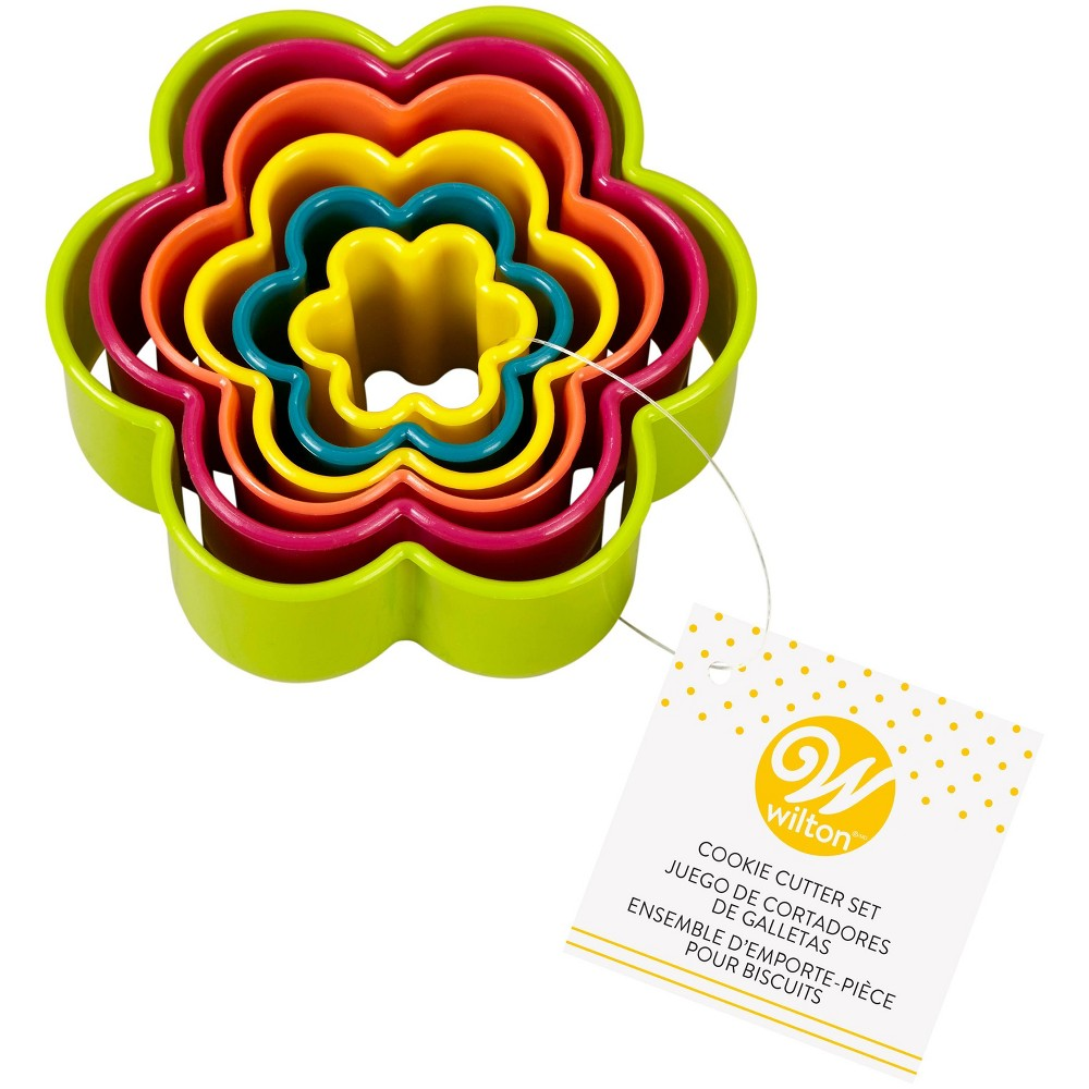 Image of Wilton 6pc Flower Cookie Cutter Set
