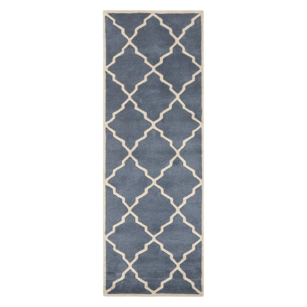 2'3X7' Quatrefoil Design Tufted Runner Gray - Safavieh