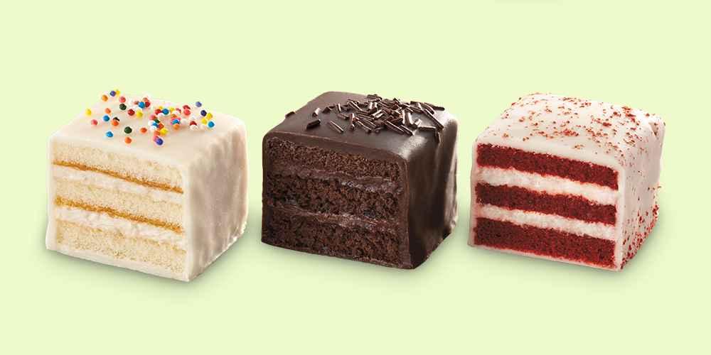 Petit Fours Vanilla, Double Chocolate, Red Velvet Assortment - 12.25oz/16ct - Favorite Day™