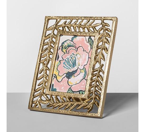 Cast Palm Frame Gold 4