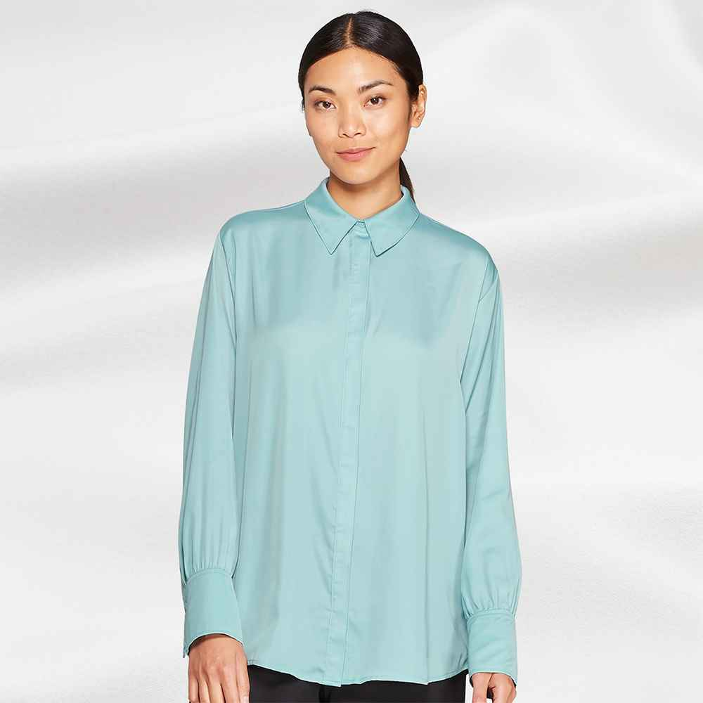 Women's Relaxed Fit Long Sleeve Front Button-Down Collared Popover Blouse - Prologue™