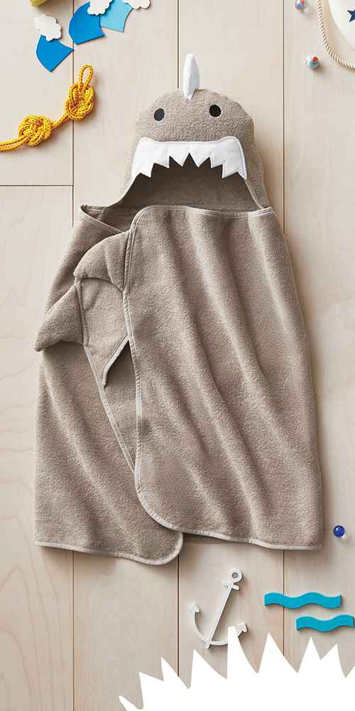 Shark Hooded Bath Towel Gray Marble - Pillowfort™
