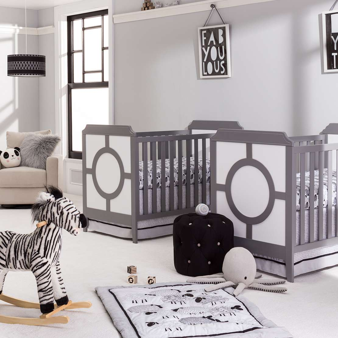 Grey and white baby room ideas - Black And White Nursery Room