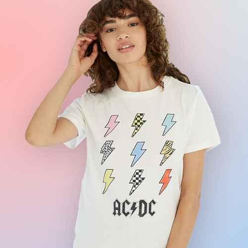 Women's AC/DC Lightning Bolt Boyfriend Short Sleeve Graphic T-Shirt - Cream