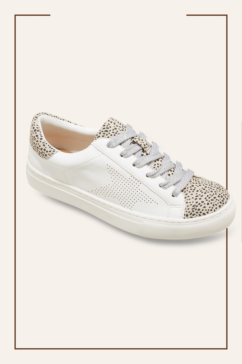 Women's Cadey Lace-Up Sneakers - Universal Thread™ Fresh White 9