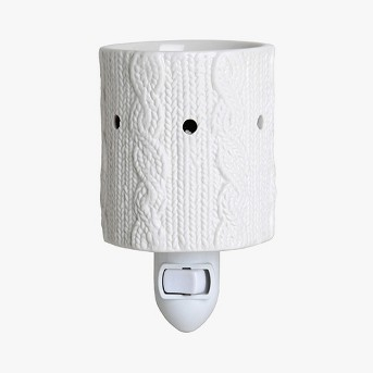 Sweater Pattern Plug-In Fragrance Warmer White - Home Scents by Chesapeake Bay Candle