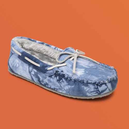 Minnetonka Women's Textile Tie Dye Carrie Slipper 44674, Navy Multi Blue - 8