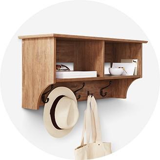 Elegant Floating Shelves. Organizer Shelves