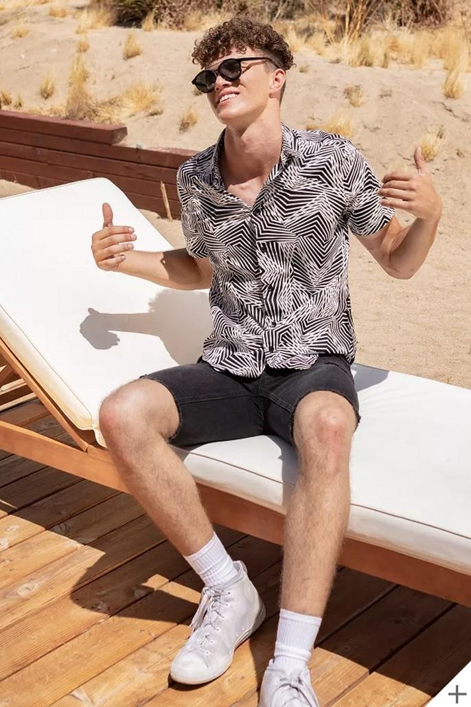 Men's Printed Short Sleeve Button-Down Shirt - Original Use™